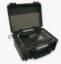 LUXUS Compact Media Controller